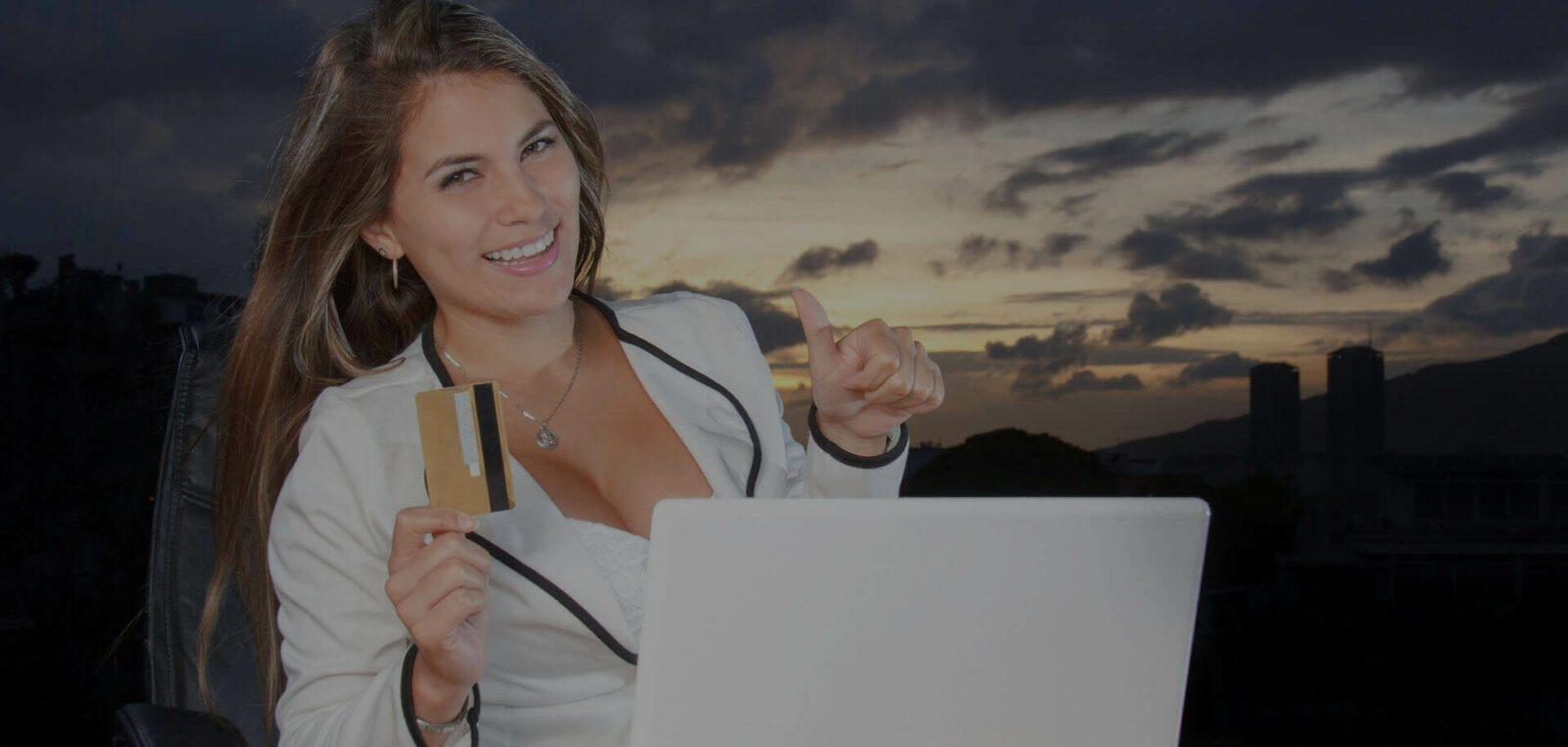 Зачем нужна оплата банковской картой в интернет-магазине